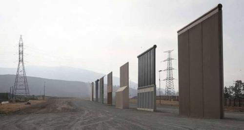 أمريكا تبدأ ببناء سياج ترامب مع المكسيك