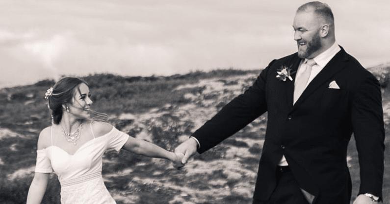 اقوى رجل في العالم يتزوج امراة اقصر منه بنصف متر