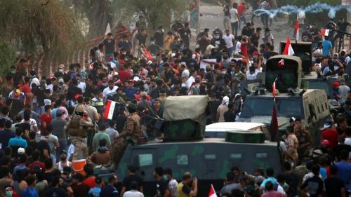 القانونية النيابية تصدم المتظاهرين في تعيينات العبادي