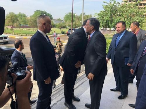 وزراء الخارجية والصحة والكهرباء يتسلمون مهامهم رسمياً