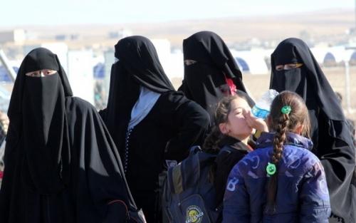 داعش يخلف وراءه آلاف الأطفال بمئة لهجة
