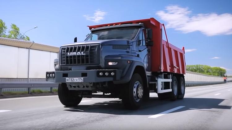 """""""أورال"""" الروسية تطلق جيلا جديدا من الشاحنات المميزة"""