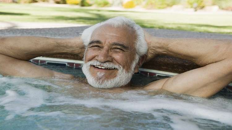الحمام الساخن يخفض مستوى السكر في الدم والالتهابات