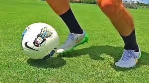 كرة قدم لا علاقة لها برياضة كرة القدم