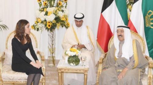 أمير الكويت :يقيم استقرار العراق