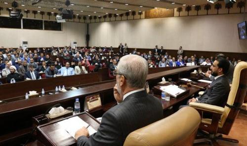 مكتب الحلبوسي: إمتيازات الوزير تعادل 21 نائباً وسكن النائب في شقة تقليل لشأنه