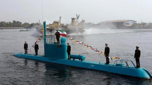إيران تستعد لتدشين غواصة ومدمرة محليتي الصنع