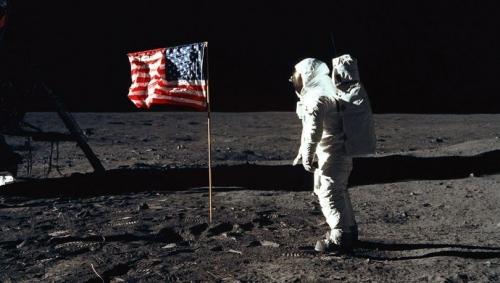 بعثة روسية الى القمر لمهمة أثارت الجدل طيلة عقود