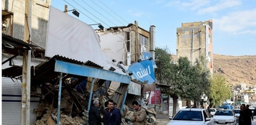 آخر حصيلة لضحايا الزلزال في إيران