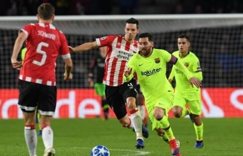 دوري الأبطال: برشلونة يهزم آيندهوفن ويتأهل لدور الـ 16 متصدراً