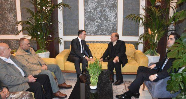 السفير التركي يبدي اعجابه بانتصارات الحشد الشعبي