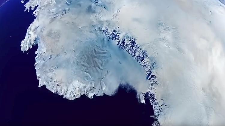 """لأول مرة.. بدء ذوبان منطقة """"مستقرة"""" في القارة القطبية الجنوبية"""