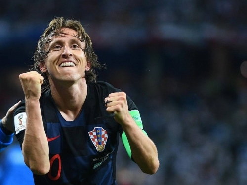 مودريتش يفوز بالكرة الذهبية كأفضل لاعب في 2018