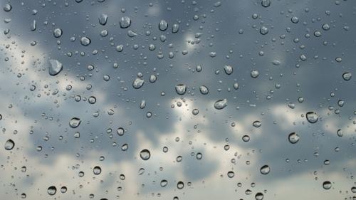 العراق يتعرض لمنخفض جوي ممطر اليوم والخميس
