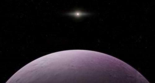اكتشاف جسم غامض يدور حول الشمس