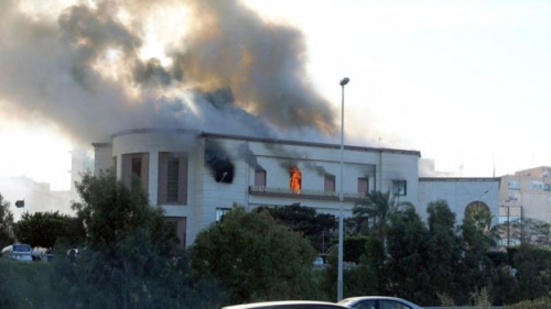 اخماد حريق داخل منزل وانقاذ ملايين الدنانير غربي بغداد