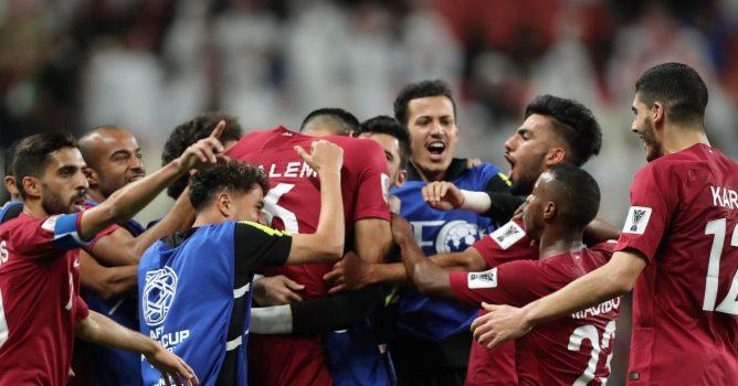 قطر تحقق فوزاً ساحقاً على الإمارات وتتأهل إلى نهائي آسيا
