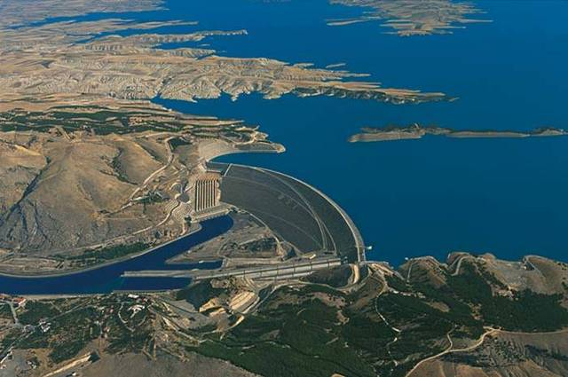 نائب كردي يكشف عن اتفاق ثلاثي لبناء ثلاثة سدود حدودية مع تركيا
