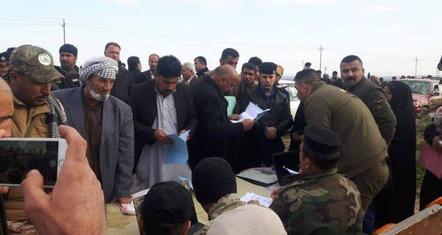 الحشد الشعبي والقوات الأمنية يعيدان 710 عوائل نازحة للسعدية في ديالى بعد تأمين مناطقهم