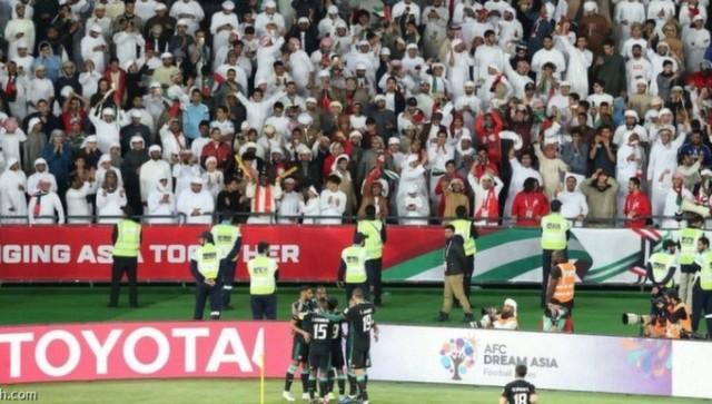 قبيل مواجهة قطر الامارات تقلص الدوام الرسمي