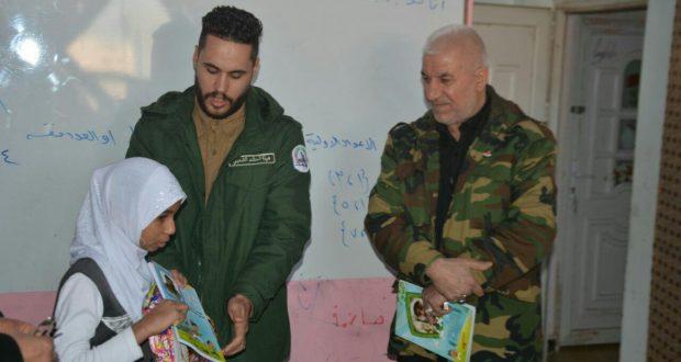مكتب الحشد في واسط يوزع مستلزمات مدرسية لأبناء الشهداء في المحافظة