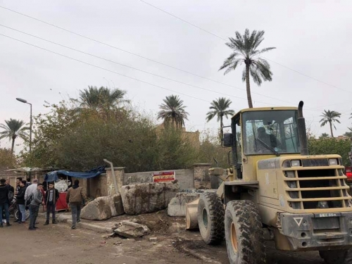 استمرار رفع الكتل الكونكريتية في عدد من مناطق بغداد