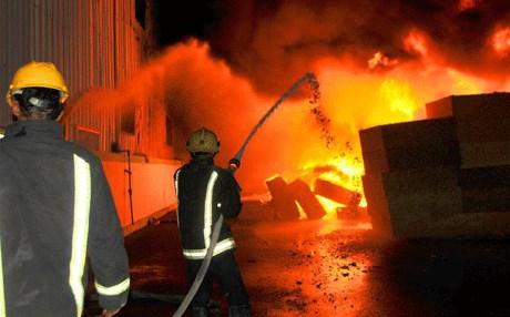 بعد إخماد حريق مخزنين بالرصافة إندلاع ثالث في الكرخ