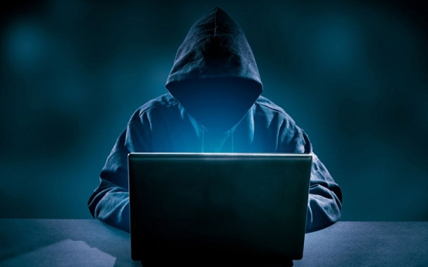 """تحقيق الكرخ تصدق اعترافات """"محارب الابتزاز الالكتروني"""" بعد تهديده فتيات"""