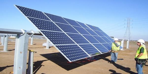 شركة عراقية تدخل الصناعة الدولية في المحطات الشمسية