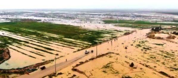 بالفيديو.. السيول تغرق منطقة الرهمية في بحر النجف