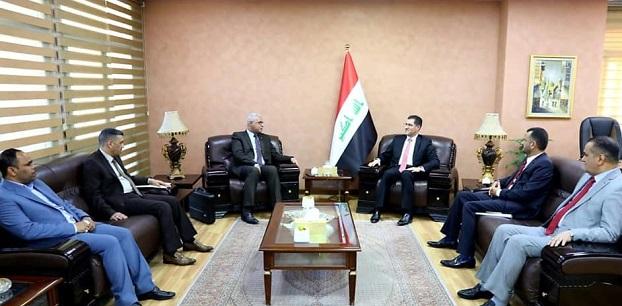 وزير التخطيط العراقي يبحث مع عدد من النواب ملفي الاستثمار والخدمات
