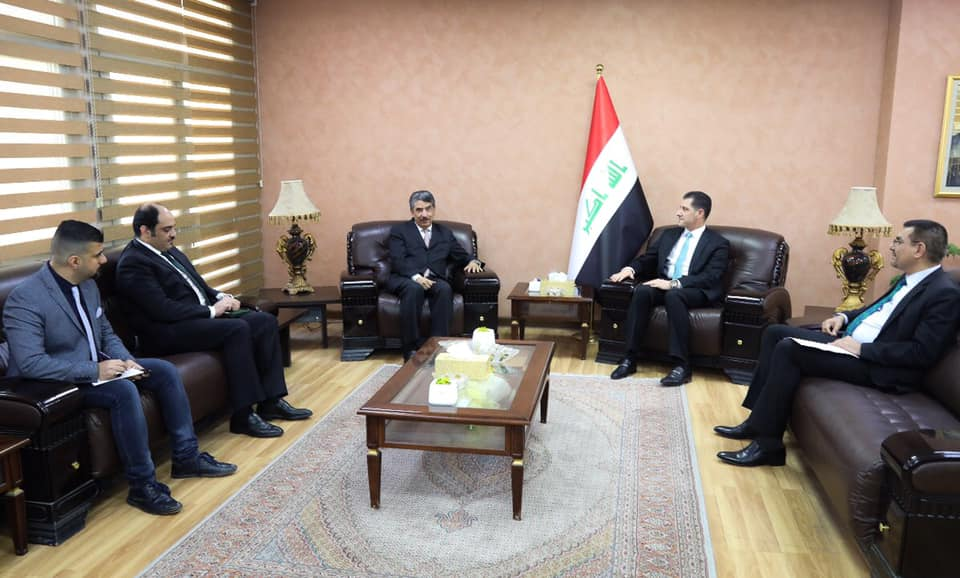 وزير التخطيط يبحث مع السفير الكويتي آفاق التعاون المشترك بين البلدين