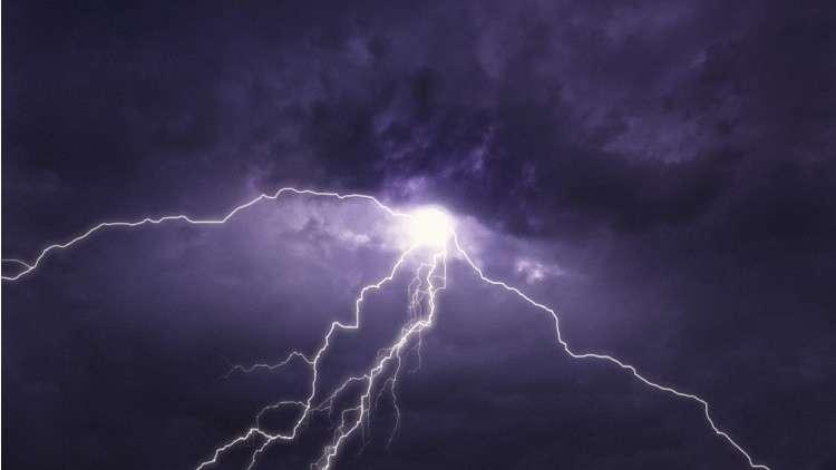 دراسة: البرق يحمي الخلايا!