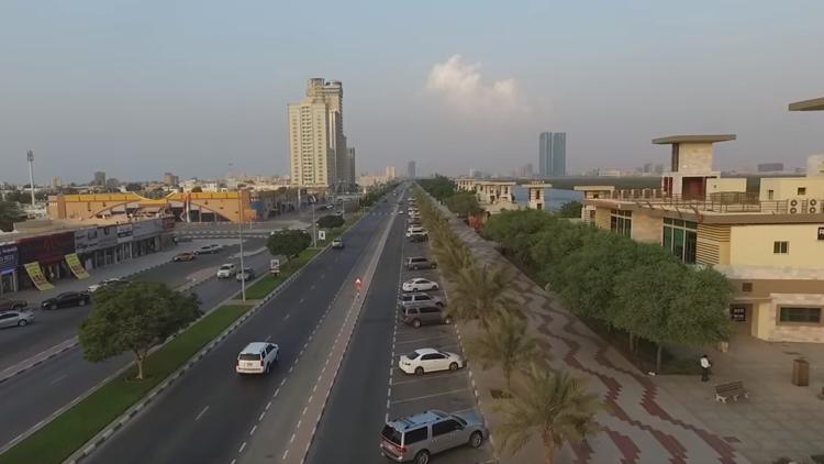 إسعاف طفلة سقطت من الطابق العاشر في الإمارات