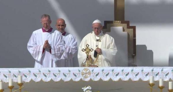 الإمارات تشهد أول قداس لبابا الفاتيكان في شبه الجزيرة العربية