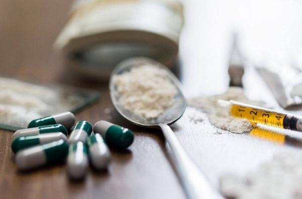 تشكيل لجنة عليا للقضاء سريعاً على جريمة التعاطي والتجارة بالمخدرات