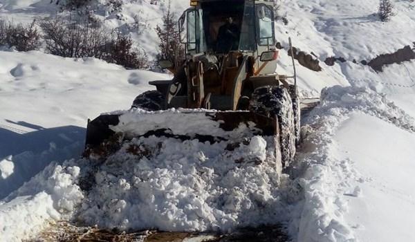 الثلوج والسيول تجتاح إيران