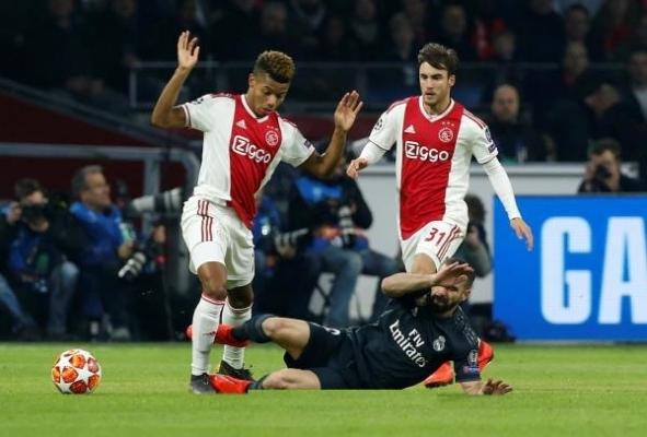 ريال مدريد يخطف فوزاً قاتلاً من أياكس بثمن نهائي الأبطال