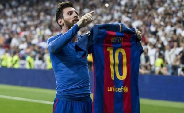 رئيس برشلونة يزف بشرى لعشاق الفريق وميسي