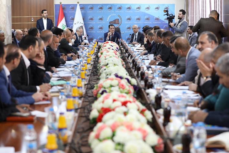 وزير التخطيط  العراقي يبحث استراتيجية تنفيذ المشاريع الجديدة والمستمرة مع عدد من الحكومات المحلية