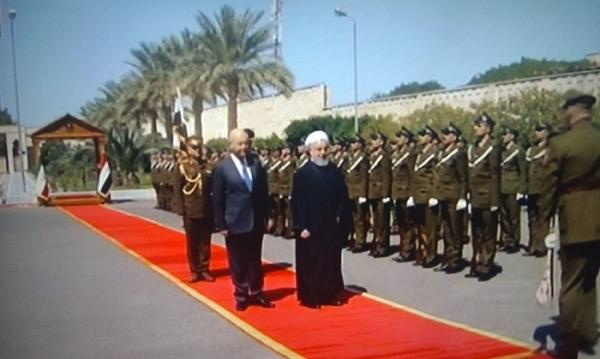 روحاني يصل الى قصر السلام وبدء مراسيم الإستقبال الرسمي