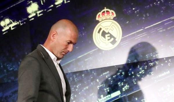 ريال مدريد يخصص نصف مليار دولار لزيدان ويعرض أبرز نجومه للبيع