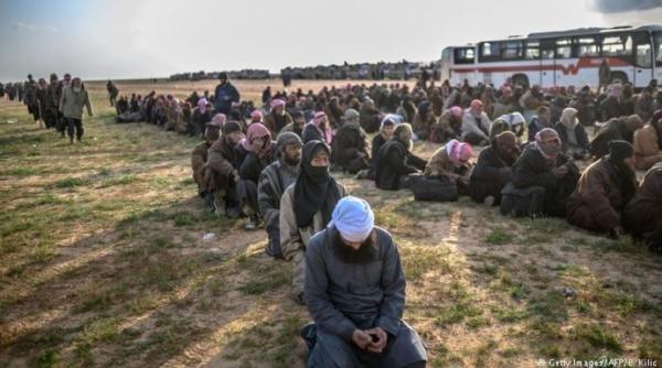 سوريا 3 الآف داعشي يستسلمون في الباغوز والنهاية تقترب جداً