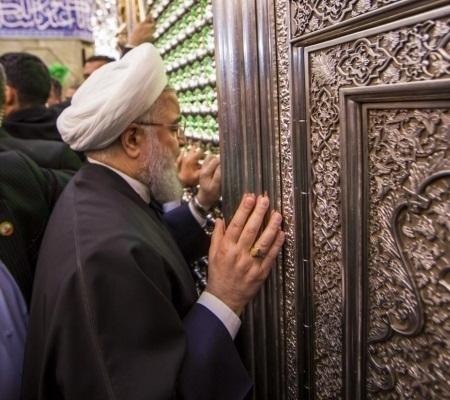 روحاني يتشرف بزيارة مرقد الإمام علي {ع} وبعدها يلتقي المرجع الأعلى