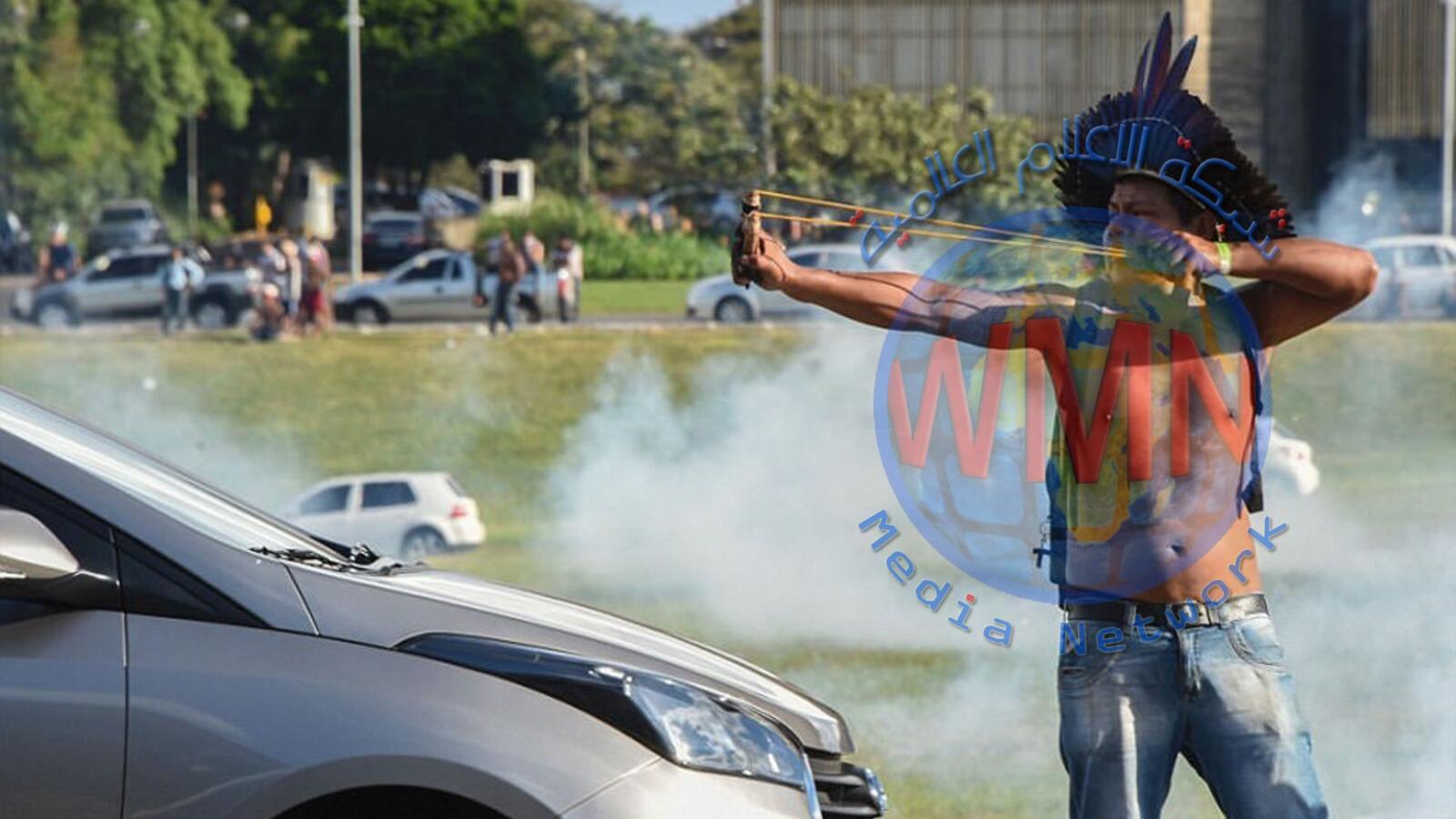 سكان البرازيل الاصليون يحتجون ضد الرئيس