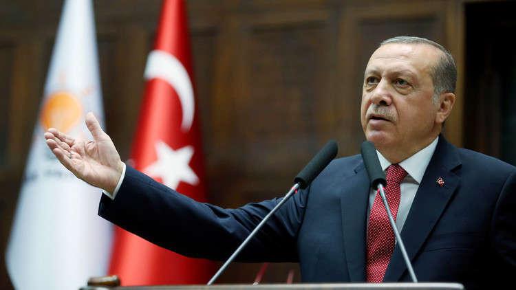 أردوغان يقرأ رسالة بعثها من السجن لنجله