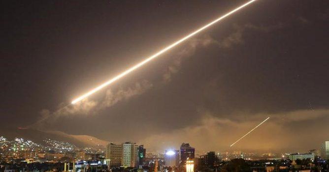 الدفاعات السورية تتصدى لصواريخ أطلقها الكيان الصهيوني