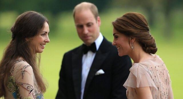 على غرار أبيه الأمير ويليام يخون زوجته كيت (صور)