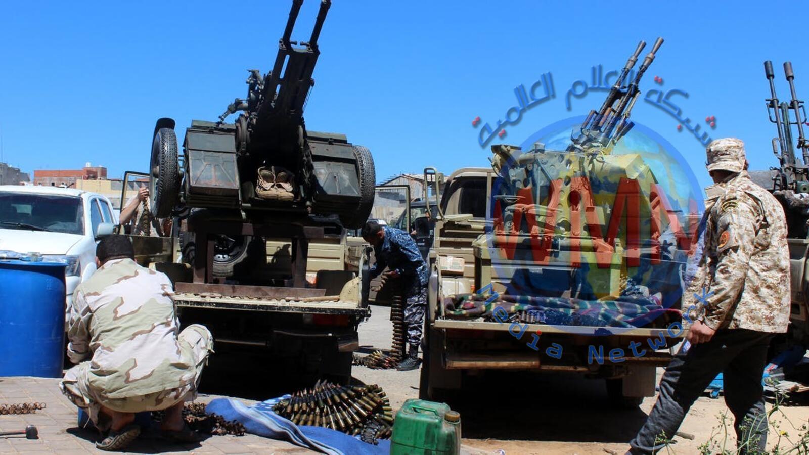 دمار ملايين الكتب المدرسية خلال القتال في العاصمة الليبية