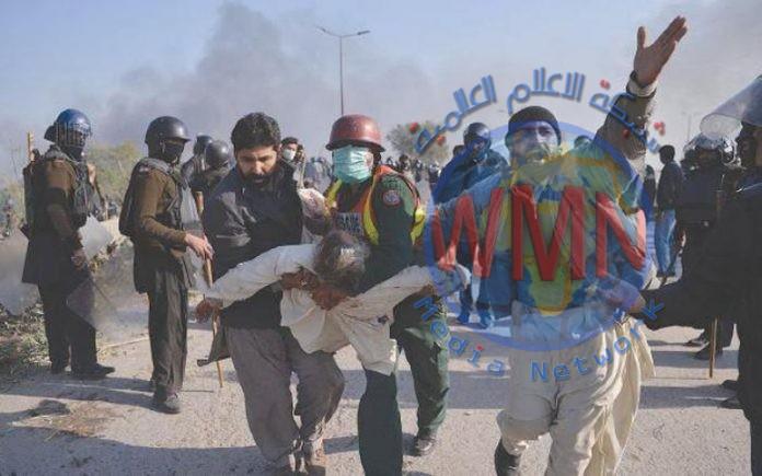 مقتل وإصابة 16 شرطيا بتفجير عبوة ناسفة في باكستان